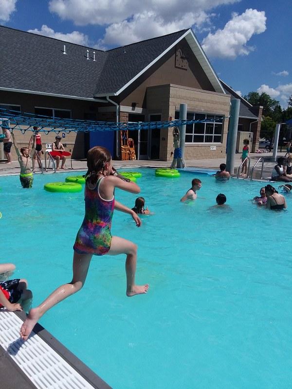 activity pool (3)