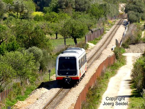 E-07240 Sant Joan (Mallorca) Ferrocarril SFM Triebwagen 61-27 im April 2018