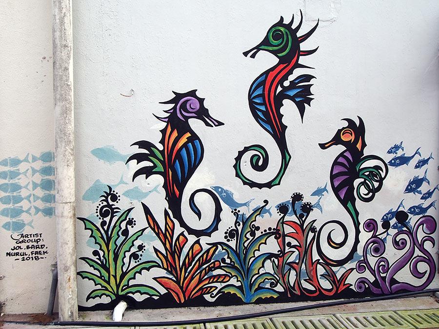 "<img src=""street-art-in-mersing-updated-tioman-island-malaysia.jpg"" alt=""Street Art in Mersing Updated, Tioman Island, Malaysia"" />"