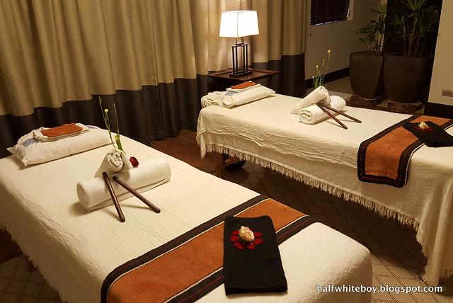 halfwhiteboy - anya resort tagaytay 41