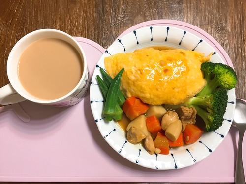 咖哩蛋包飯