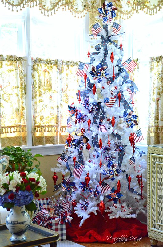 Patriotic Tree-Housepitality Designs-4