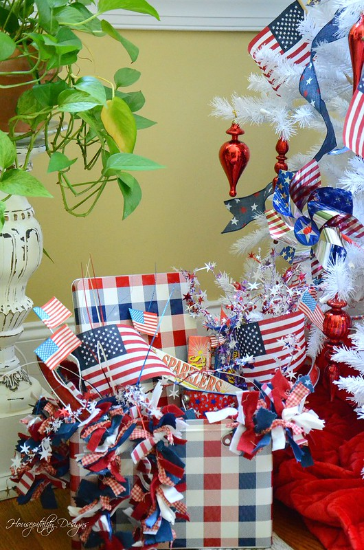 Patriotic Tree-Housepitality Designs-6