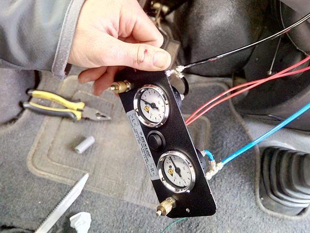 installation du panneau de contrôle des suspensions pneumatiques