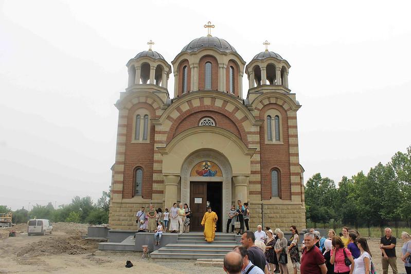osvecenje zvona hram srba svetitelja