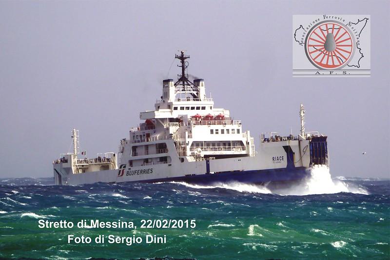 098 - Giugno 2018 - Navigando in una ventosa giornata di scirocco   41810128115_68dea0e66f_c