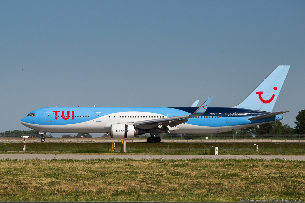 Boeing 767-300ER PH-OYI авиакомпании TUI