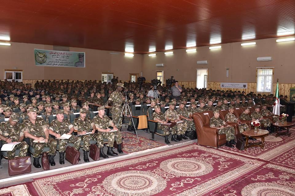 الجزائر : صلاحيات نائب وزير الدفاع الوطني - صفحة 22 27753088707_8e61681c94_b
