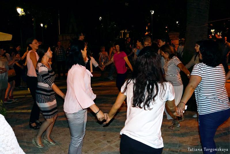 Танцы на фестивале