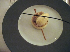 CHATEAU D'ETOGES, MENU GOURMANDE, VANILLA MOUSSE, COFFEE MILK, BLOND CHOCOLATE, PUFFED QUINOA 014 - Photo of Beaunay