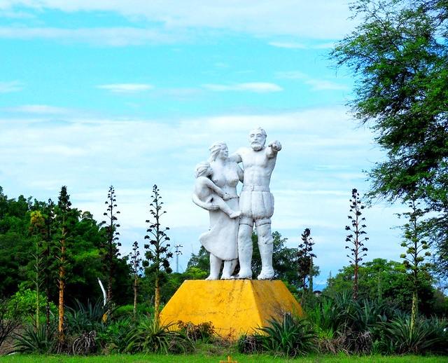 El color del Monumento al Mestizaje