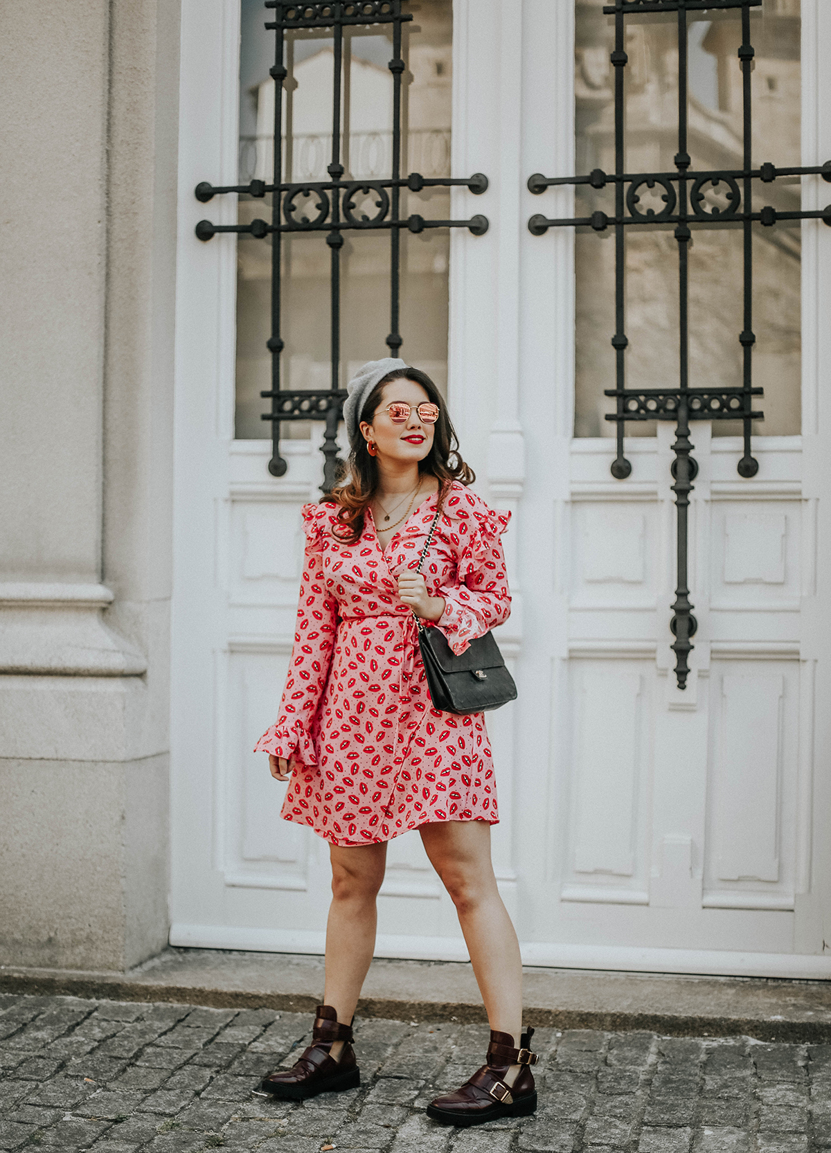 vestido-labios-loavies-botas-cut-out-myblueberrynightsblog11