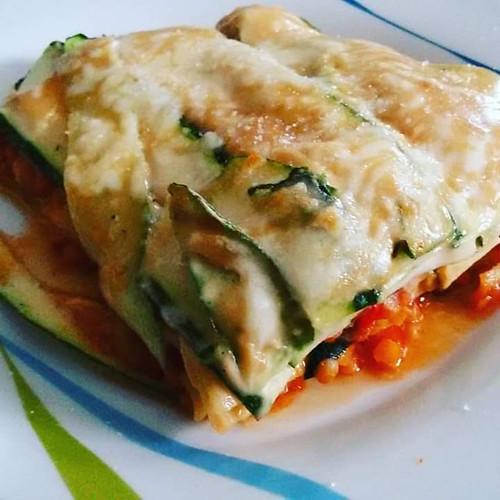 Zucchini Lasagne mit rote Linsen Bolgonese