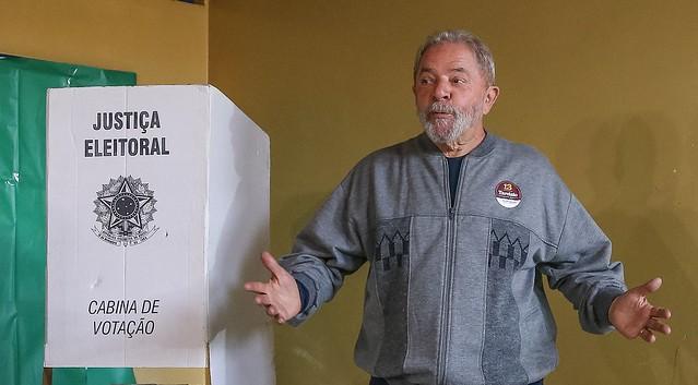 Lula durante a votação do primeiro turno das eleições municipais de 2016, em São Bernardo - Créditos: Foto: Ricardo Stuckert