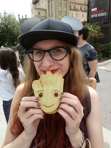 raspberry Groot cookie