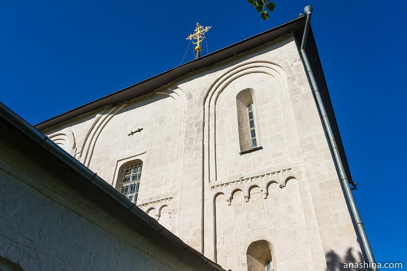 Западный фасад Борисоглебской церкви