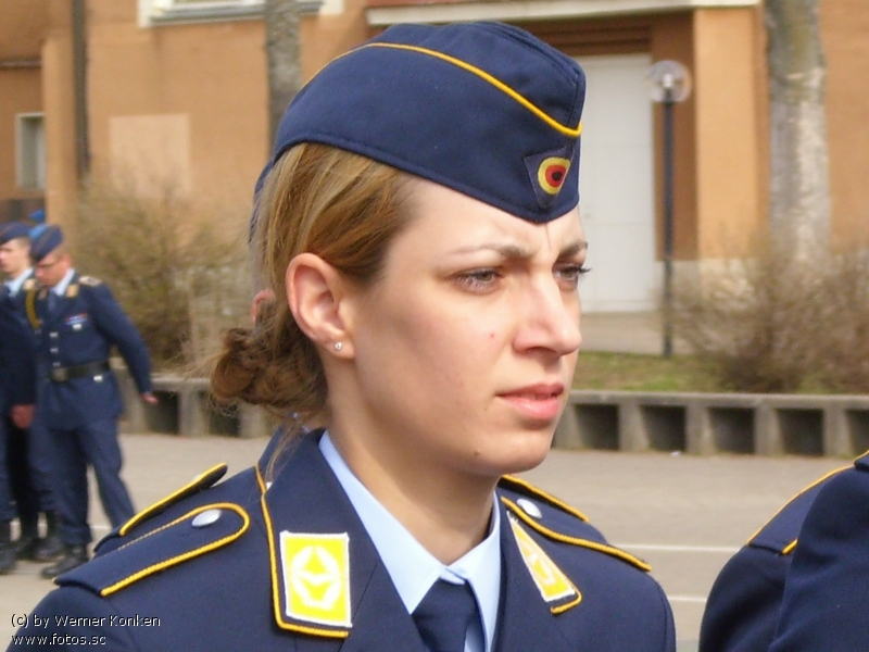 Frau__Uniform__Luftwaffe__Frau_in_Uniform__Soldatin