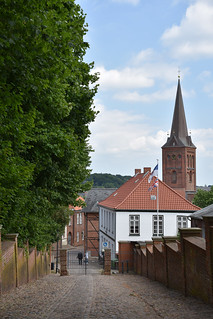 Alley from the castle to the city of Plön