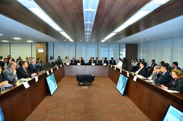 Diálogo Público - Financiamento de estados e municípios desafios para um novo pacto federativo