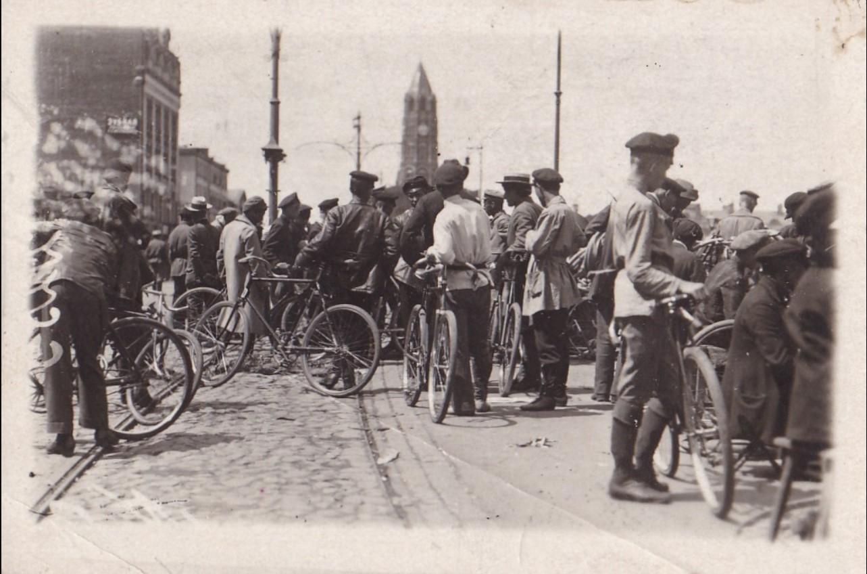 1920-е. Продажа велосипедов на Сухаревке