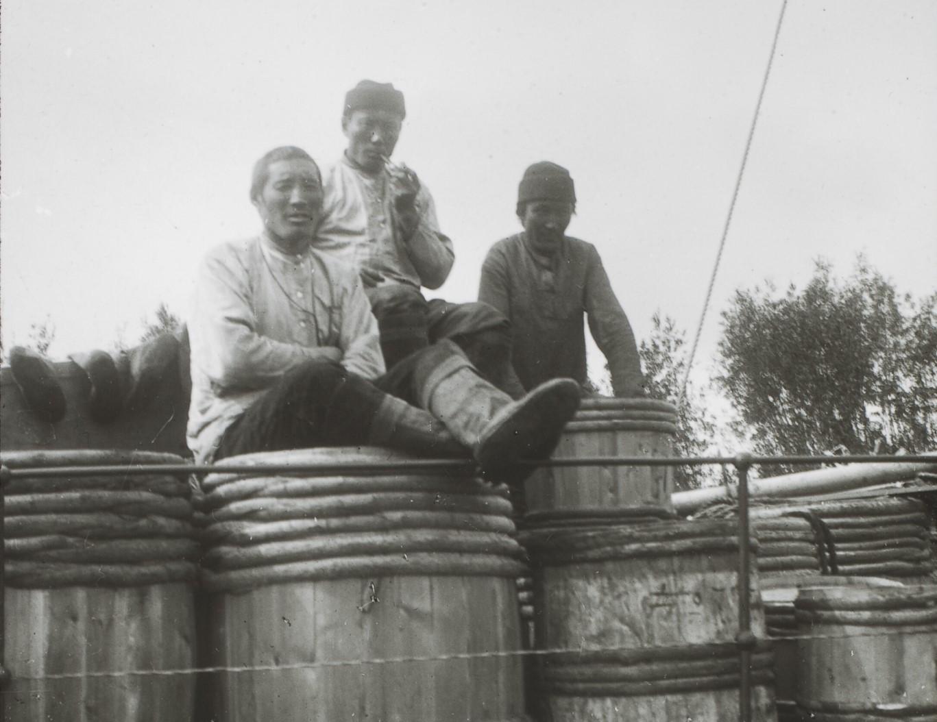 Якутская область. Якутские рыбаки, возвращающиеся с промыслов с Нижней Лены