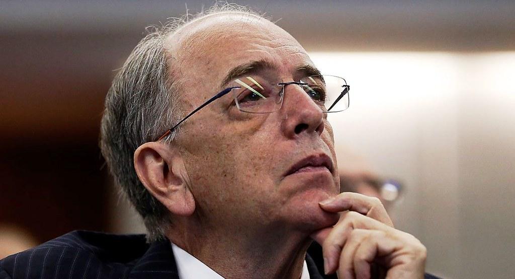 Dólar sobe e ações da Petrobras caem com a demissão de Pedro Parente, O presidente da Petrobras, Pedro Parente, participa de debate sobre o fim do monopólio na área de refino, na Fundação Getulio Vargas.
