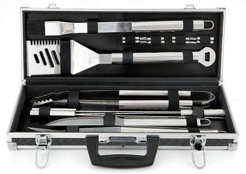 18+Piece+Tool+Set+in+Black+Aluminum+Tire+Track+Case