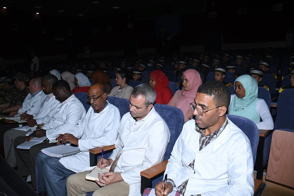 الجزائر : صلاحيات نائب وزير الدفاع الوطني - صفحة 21 42433274281_9c4b2ed86b_b