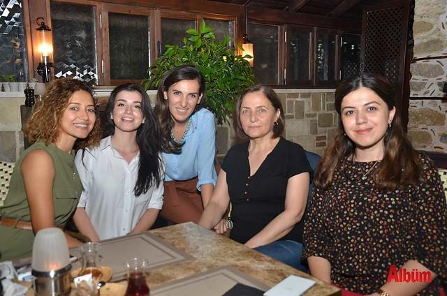 Fatma-Bedanlıoğlu,-Emine-Köyyeri,-Oylum-Durak-Gemici,-Melike-Altınay,-Efsun-Uysal,--(2)