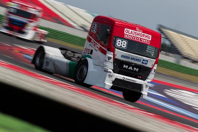 Misano02_OXXO_Hungary_Truck_Racing _Kamion_Eb2018_sportmenu