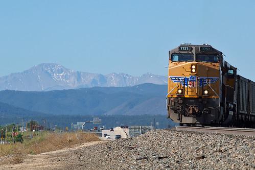 up up7757 unionpacific ge generalelectric es44ac pikespeak rampartrange train railroad csux