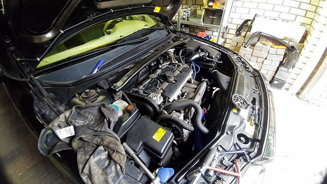 Volvo S80 2.4T Changing Spark plugs