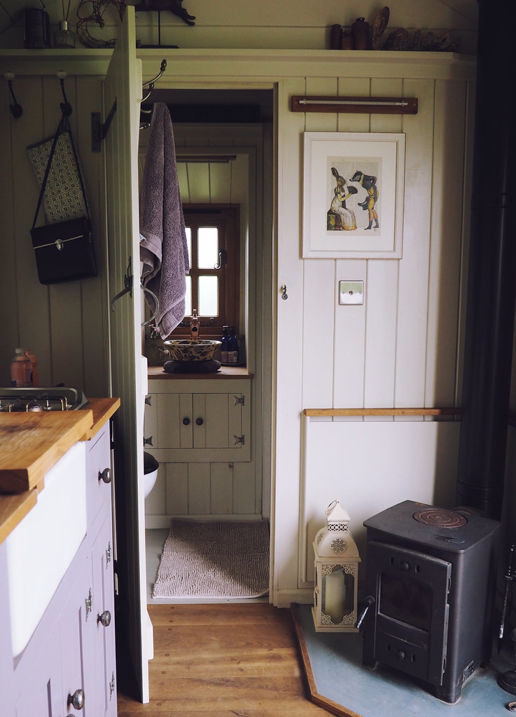 Plankbridge Shepherd's Hut, Colber Farm Happy Hare, canopy and stars, being little bristol travel lifestyle blog blogger lyzi hut interior wood burner