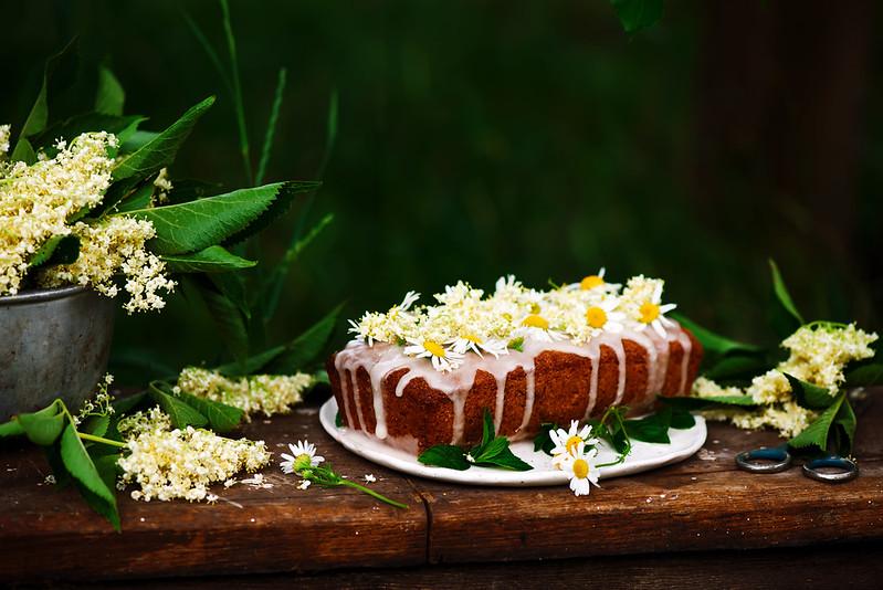 vegan elderflower honey lemon drizzle cake