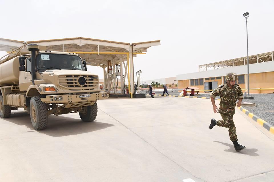 الجزائر : صلاحيات نائب وزير الدفاع الوطني - صفحة 22 28560568728_e2f34c2311_b