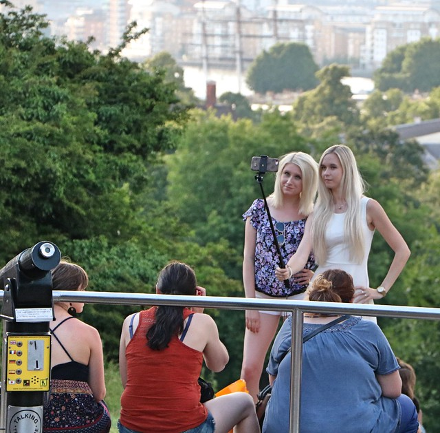 Greenwich Tourists, Canon EOS 750D, Canon EF-S 18-135mm f/3.5-5.6 IS STM