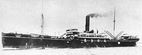 Shinano Maru (信濃丸) was a 6,388 gt merchantman operated by the Nippon Yusen K.K Shipping Company (NYK). Photo taken in 1905.