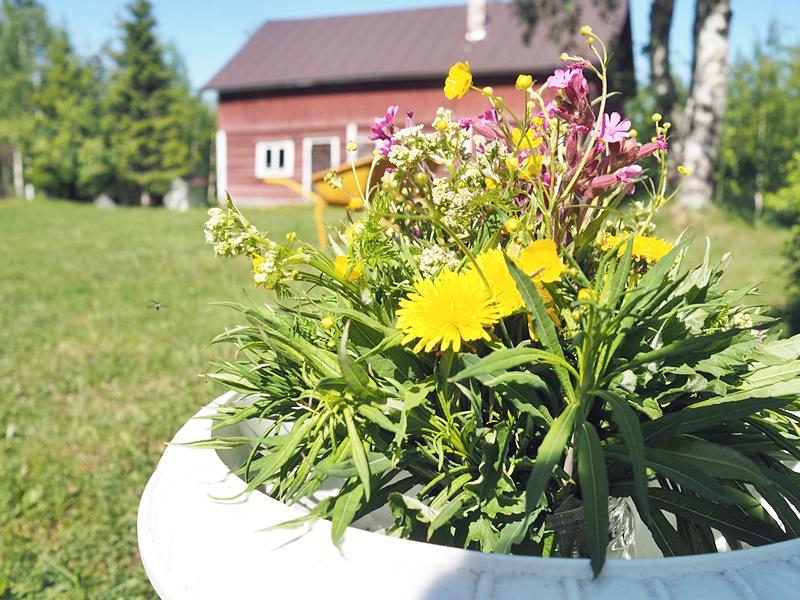 kukkakimppu suomi finland flowers