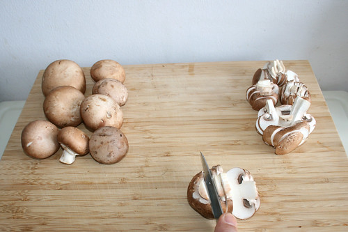 15 - Pilze in Scheiben schneiden / Cut mushrooms in slices
