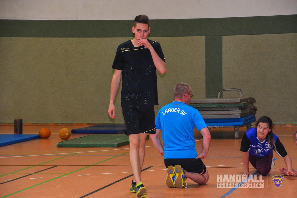 20180523 Laager SV 03 Handball wJD - Übergabe Pullover (2).jpg