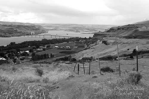 columbia gorge washington oregon maryhill stonehenge replica biggsjunction river garyquay gary quay nikon d810