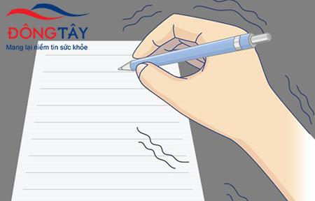 Chữ viết tay nhỏ dần - cẩn trọng Parkinson