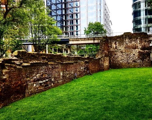 Mura romane, Londra
