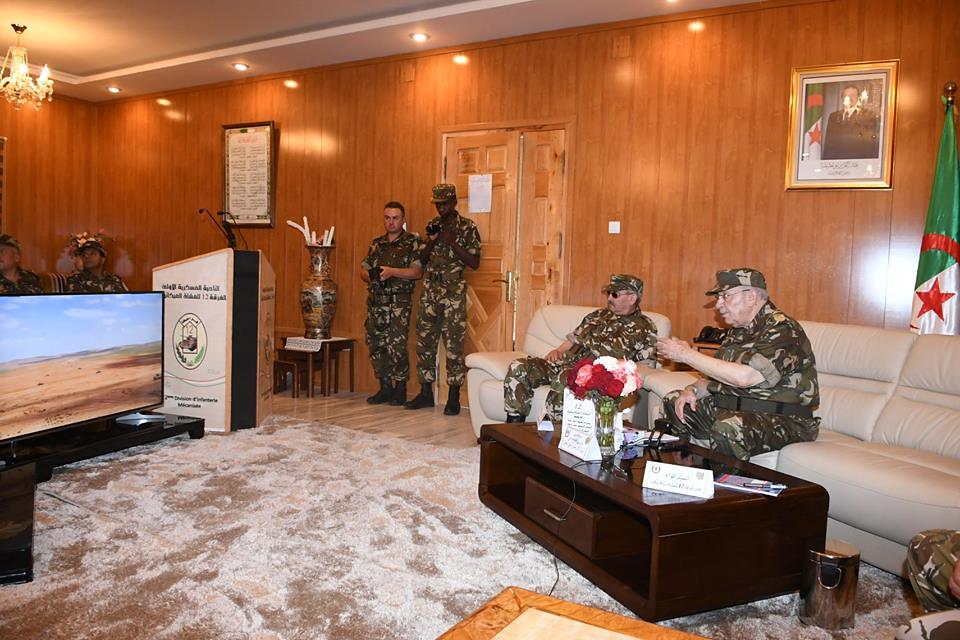 الجزائر : صلاحيات نائب وزير الدفاع الوطني - صفحة 22 42571080442_56f13555f3_b