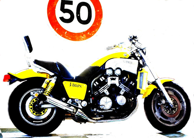 Yamaha 1200 Vmax, Canon EOS 1000D, Canon EF 40mm f/2.8 STM