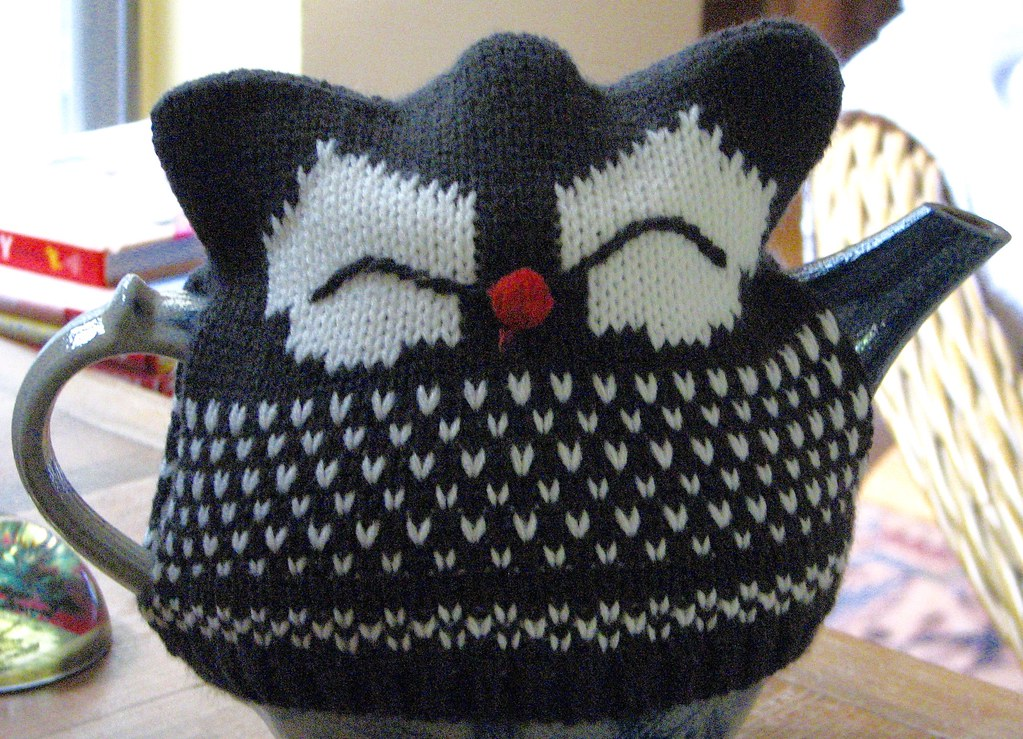 Tea Cosy for Owl Lovers