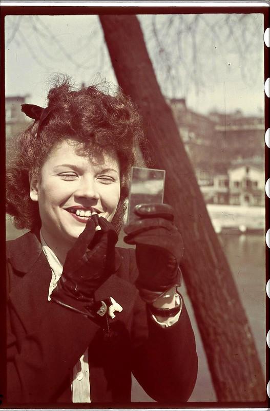 Париж под пятой оккупантов на фотографиях Андре Зукка. Часть 12. 1941. Жизнь на берегах Сены. Часть