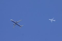 Ryanair Boeing 737-800 and Turkish Airlines Airbus A330