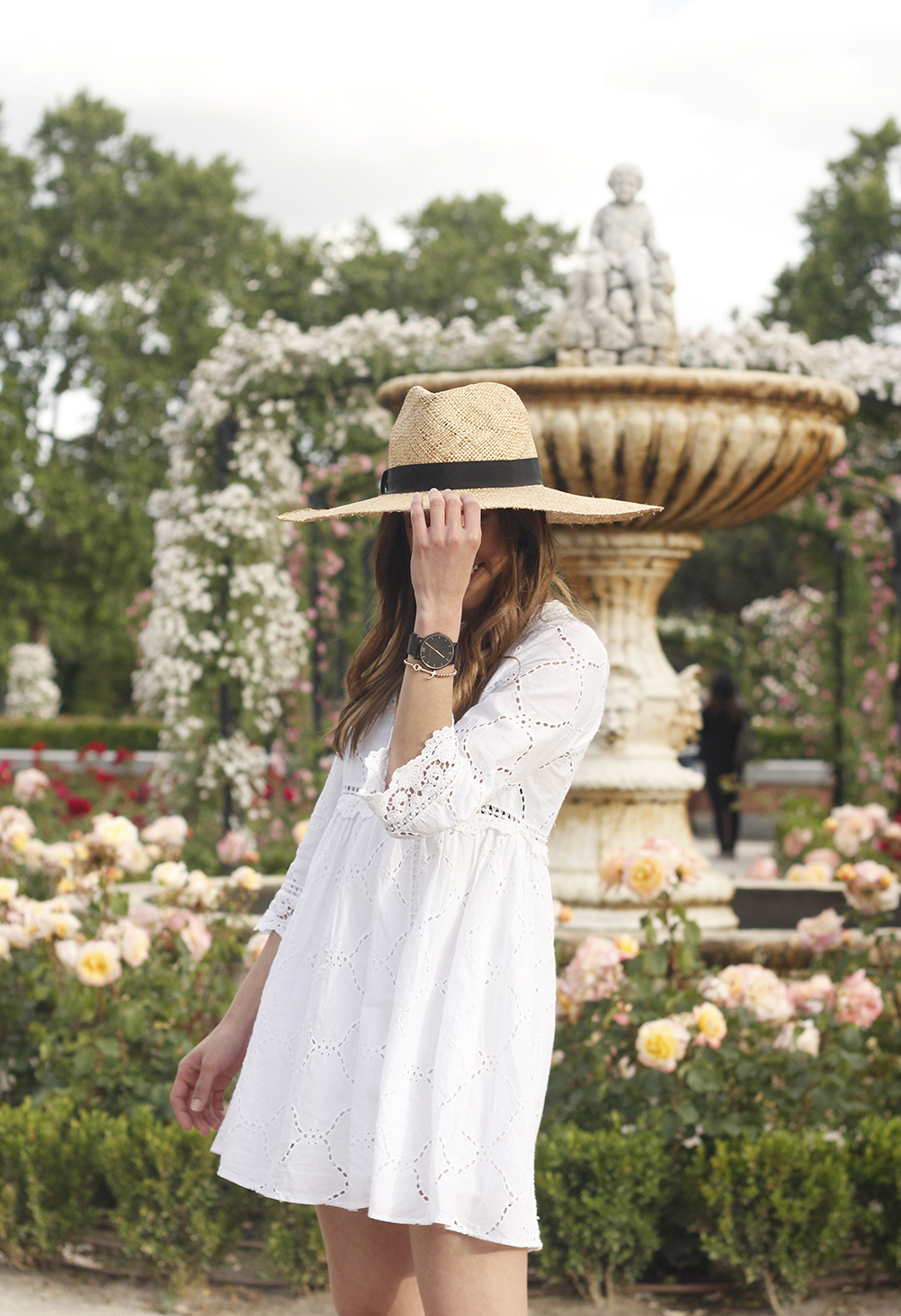 white summer dress givenchy bag street style outfit 2018 el retiro18
