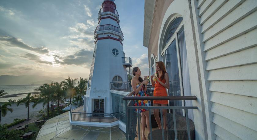 ZAMBALES BEACH RESORT - The Lighthouse Marina